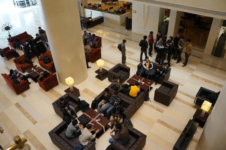 لابی هتل از بالا - Codeforces.com